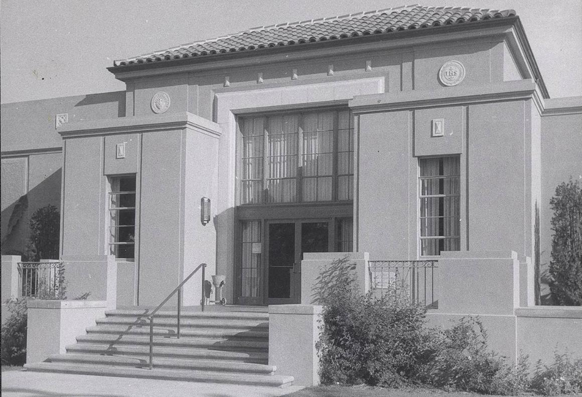 View of de Saisset Museum in 1956, one year after it opened.