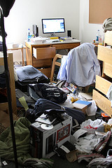 Messy college dorm room image link to story