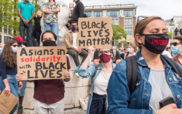 Black Lives Matter Protesters image link to story