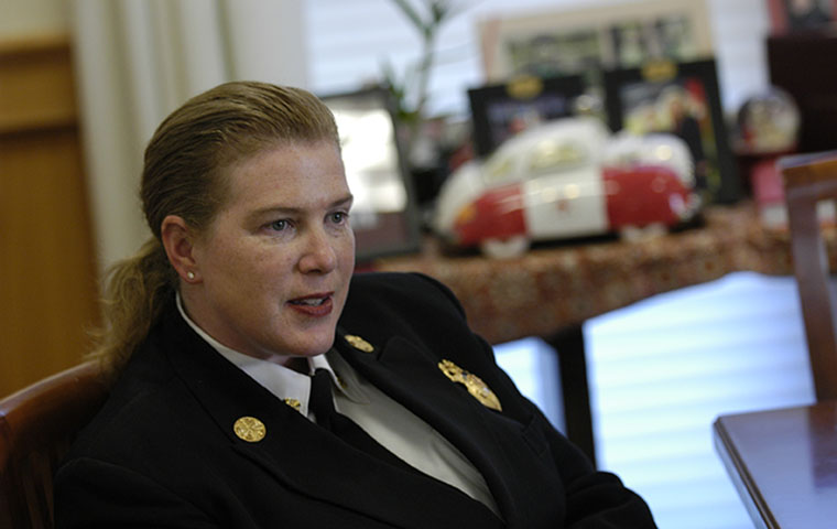 Retiring SFFD Chief Joanne Hayes-White '86 image link to story