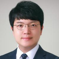 Information Systems and Analytics Professor Sunghun Chung Head Shot