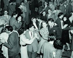 Black and white photo of 1945 Homecoming dance at SCU.